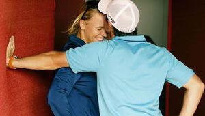 Avustralya Açıkta elenen Wozniacki soluğu nişanlısının yanında aldı