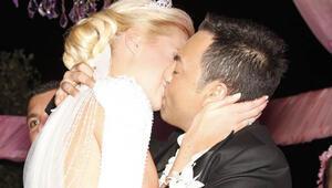 Serdar Ortaç ile Chloe Loughnan evlendi