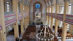 Büyük Sinagogda 46 yıl sonra ilk ibadet
