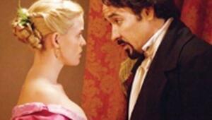 Kuzgun'u Poe'nun peşini bırakmıyor