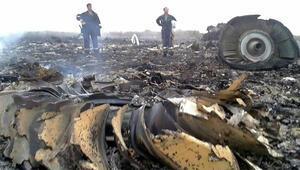 ABD: Malezya uçağı füzeyle vuruldu
