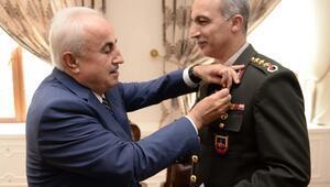 Edirne Valisi'nden Emniyet Müdürü ve Komutana altın ödülü