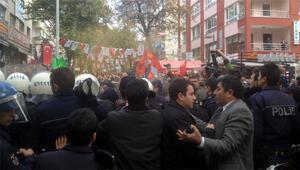Başkentte gazetecilere destek eyleminde polisten gazlı müdahale