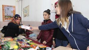 Öğrenciler Suriyeliler için 'gönül köprüsü' kurdu