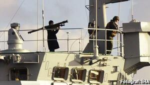 Rus savaş gemisinin Boğazdan füzeli geçişi, tahrik edici
