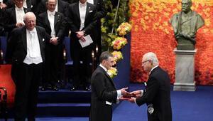 Stockholmde tarihi tören: Aziz Sancar, Nobel Kimya Ödülünü aldı