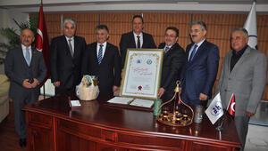 İzmir ve Rize ticaret borsalarından işbirliği