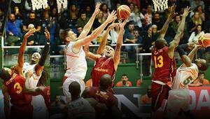 Galatasaray Odeabank mağlubiyete rağmen lider