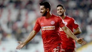 Antalyaspor - Tuzlaspor maçı saat  kaçta Hangi kanalda yayınlanacakMaç nerede oynanacak İşte ayrıntılar...
