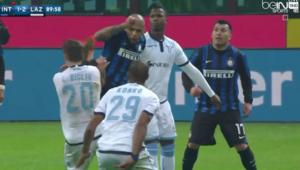 Felipe Melo çıldırdı Önce penaltı, sonra tekme ve kırmızı kart