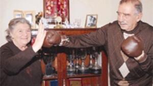 Türkiye'nin ilk profesyonel boksörü