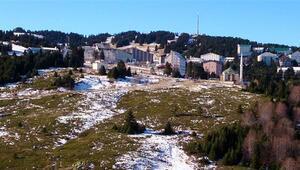 Uludağ'da tesisler yılbaşına hazır ama kar yok