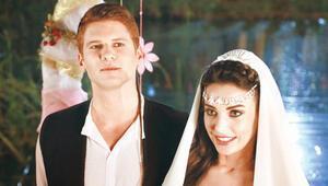 Tolgahan Sayışman ile Tuvana Türkayın Bizans düğünü