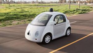 Googleın sürücüsüz otomobilleri yağmura hazırlık yapıyor