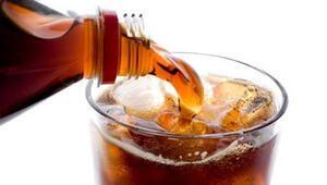 Şekerli ve gazlı içeceğe dikkat