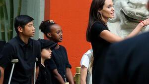 Angelina Jolienin aile saadeti