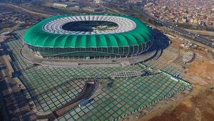 Müteahhitler mahkemeden tedbiri aldı Timsah Arenayı tamamladı