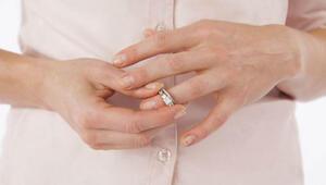 Anneler boşandığı eşiyle yaşayan kızlarını SGKya ihbar ediyor