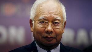 Malezya Başbakanı Necip Rezak yolsuzluk suçlamalarından aklandı