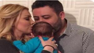 Petek Dinçöz eşi ve bebeği Aslanın fotoğraflarını paylaştı