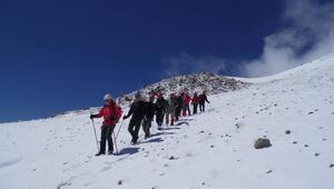En iyi 10 kış tırmanış rotası