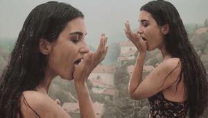 Tuba Büyüküstünün rol aldığı Dar Elbise filminin fragmanı yayınlandı