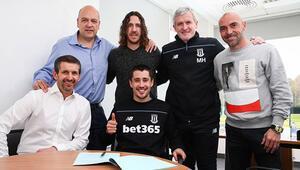 Stoke City, Bojanın sözleşmesini yeniledi