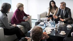 George Clooney, Almanya Başbakanı Angela Merkel ile buluştu