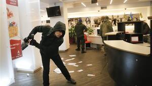 Ukraynada Rus bankalarına saldırı