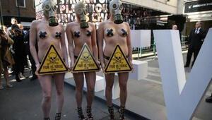 Londra Moda Haftasında kürk gerginliği