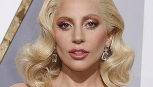 Lady Gaganın 8 milyon dolarlık küpesi