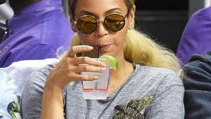 Beyoncénin 795 dolarlık (yaklaşık 2300 TL) tişörtü