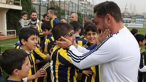 Diyarbakırlı çocuklar Fenerbahçenin antrenmanında