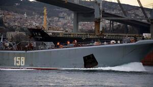 Rus savaş gemisi Caesar Kunikov geniş güvenlik önlemleriyle boğazdan geçti