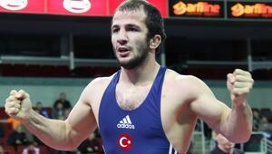 Mustafa Kayadan gümüş madalya