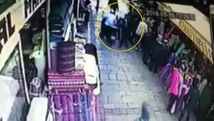 İzmirde seyyar satıcının Suriyeli çocuğu dövmesinde yeni görüntüler