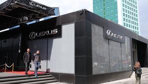 Lexusun Türkiyedeki ilk satış yeri Maslakta açıldı