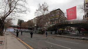 Kızılaydaki saldırıda hasar gören araçlar, olay yerinden kaldırıldı