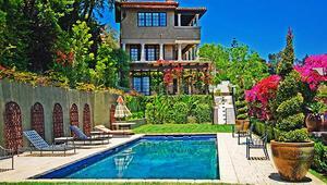 Mischa Bartonın muhteşem evi