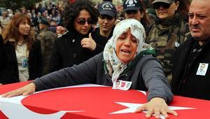 Şehit Osman Belkayanın annesi: Ben sana doyamadım, veremem kara toprağa