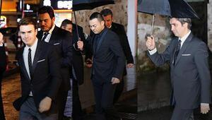 Başbakan Davutoğlu Dost Meclis Yemeğinde ünlü isimlerle bir araya geldi