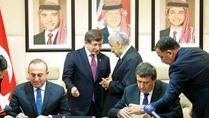 Başbakan Davutoğlu: DAEŞ, PKK, YPG bölgeye saldırıyor