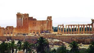 Suriye ordusu, Palmirayı 10 ay sonra geri aldı