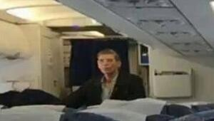Mısır uçağını kaçıran hava korsanı ile fotoğraf çektiren yolcu konuştu