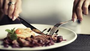 Etin yağlı kısımlarını yemeyin