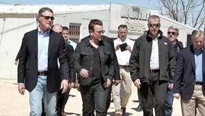 Bononun ziyaret ettiği çadır kentte yangın: 1 ölü, 2 yaralı