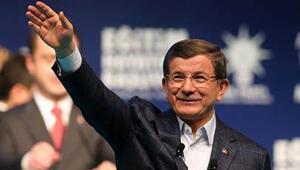 Başbakan Davutoğlu: Evlerin baş köşesine Edep Ya Hu hattını yerleştirmek isterdim