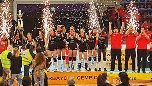 Karslıoğlu'nun ekibi zirvede