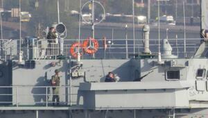 Kriz yaratan gemi Boğazdan geçti