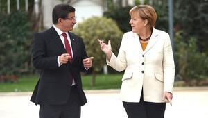 Davutoğlu ve Merkel sığınmacıları ziyaret edecek